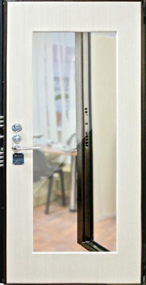входная металлическая дверь с зеркалом белая